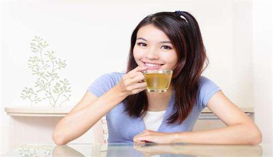 沈阳焦东海减肥医院为你展示美女喝茶的图片